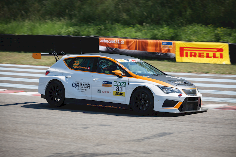 SEAT Leon Cup Racer (5)
